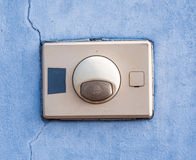 A campainha elétrica velha da entrada Imagem de Stock