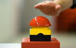 Campainha elétrica vermelha da pressão de mão Imagem de Stock Royalty Free