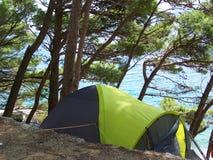 Campamento de verano en la playa Fotografía de archivo libre de regalías