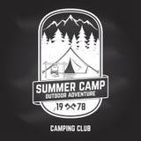 Campamento de verano Ilustración del vector Concepto para la camisa o logotipo, impresión, sello o camiseta Imagen de archivo libre de regalías