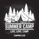 Campamento de verano Ilustración del vector Concepto para la camisa o logotipo, impresión, sello o camiseta Imágenes de archivo libres de regalías