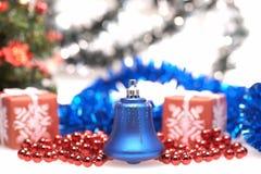 Campana azul para la Navidad Imágenes de archivo libres de regalías