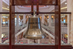 Campana del ` s de la nave de Queen Mary 2 fotos de archivo