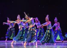 Campana-mattina d'argento nella danza popolare di foresta-cinese Fotografie Stock Libere da Diritti