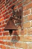 Campana oxidada vieja del hierro foto de archivo libre de regalías