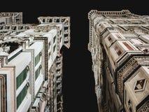 Campanario de Italia Florence Cathedral y de Giotto en la noche Fotos de archivo