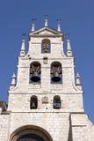 Campanario de la iglesia de Lesmes Abad del santo Fotos de archivo