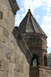 Campanario de la iglesia de Stepantsminda en Georgia imagenes de archivo