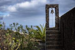 Campanario de una iglesia en el EL Hierro del valle del EL Golfo Fotografía de archivo