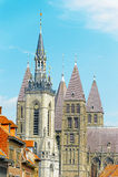 Campanario de una iglesia y catedral de Tournai, Bélgica Imagen de archivo libre de regalías