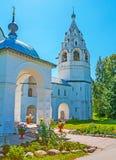 Campanario del ` s de la catedral del monasterio de la intercesión de Suzdal Imágenes de archivo libres de regalías