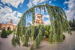 Campanario en Sameba Catherdral, también conocido como catedral de la trinidad santa en Tbilisi, Georgia, Europa Oriental imagen de archivo
