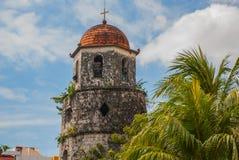 Campanario histórico hecho de la ciudad de Coral Stones - de Dumaguete, Negros Oriental, Filipinas Fotos de archivo