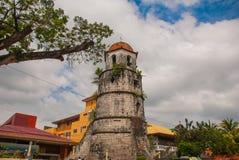 Campanario histórico hecho de la ciudad de Coral Stones - de Dumaguete, Negros Oriental, Filipinas Fotos de archivo libres de regalías