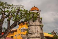 Campanario histórico hecho de la ciudad de Coral Stones - de Dumaguete, Negros Oriental, Filipinas Foto de archivo