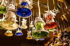 Campanas de cristal, decoración del Año Nuevo de la Navidad en alemán tradicional Fotografía de archivo