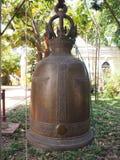 Campanas de oro en el templo Fotografía de archivo libre de regalías