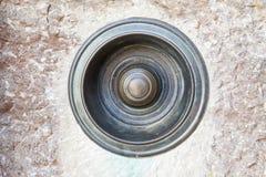 Campanello per porte rotondo d'annata di tirata del metallo Immagine Stock