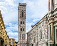 Campanil de Giotto's Piazza del Duomo en Florencia, Italia Fotografía de archivo libre de regalías