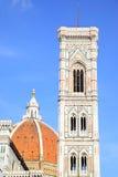 Campanile di Giotto och Duomo Royaltyfri Fotografi