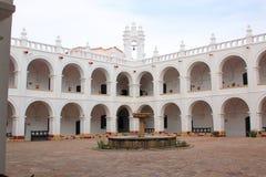 Campanile e kupola di San Felipe Neri Monastery a Sucre, Bolivia immagine stock libera da diritti