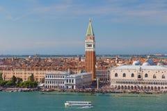 Campanile famoso do ` s de St Mark em Veneza Itália Fotografia de Stock Royalty Free