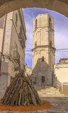 Campanile ottagonale del san Michael Archangel Sanctuary al ` Angelo di Monte Sant sull'Italia fotografie stock