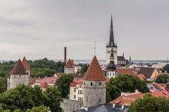 Campanili della città di Tallinn fotografia stock libera da diritti