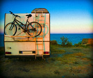 Camparehusvagn som används som permanent hem Arkivfoton