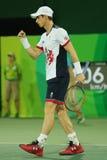 Campeão olímpico Andy Murray de Grâ Bretanha na ação durante fósforo do círculo dos dobros do ` s dos homens o primeiro do Rio 20 Fotos de Stock Royalty Free