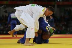Campeão olímpico República Checa Judoka Lukas Krpalek no branco após a vitória contra Jorge Fonseca de Portugal Imagem de Stock Royalty Free