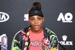 Campeão Serena Williams de Grand Slam dos EUA durante a conferência de imprensa após seu fósforo aberto australiano do quartos de imagem de stock
