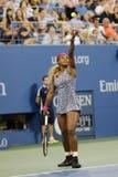 Campeão Serena Williams do grand slam durante o primeiro fósforo do círculo no US Open 2014 Imagens de Stock Royalty Free