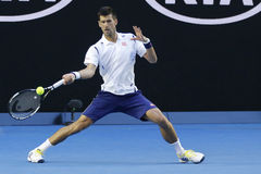 Campeón Novak Djokovic del Grand Slam de once veces de Serbia en la acción durante su partido de la ronda 4 en Abierto de Austral imagen de archivo libre de regalías