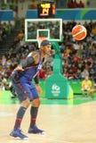 Campeón olímpico Carmelo Anthony del equipo los E.E.U.U. en partido de baloncesto del grupo A del duringt de la acción entre el e Foto de archivo