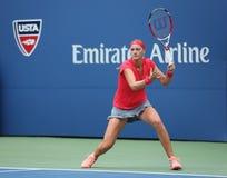Campeón Petra Kvitova del Grand Slam durante el primer partido de la ronda en el US Open 2013 contra Misaki Doi en Billie Jean Kin Imagen de archivo