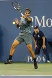 Campeón Rafael Nadal del Grand Slam de doce veces durante el segundo partido de la ronda en el US Open 2013 Imagen de archivo libre de regalías