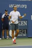 Campeón Rafael Nadal del Grand Slam de doce veces durante partido de semifinal en el US Open 2013 contra Richard Gasquet Imagen de archivo libre de regalías