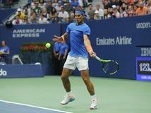 Campeón Rafael Nadal del Grand Slam de España en la acción durante el partido redondo 3 del US Open 2016 Imagen de archivo libre de regalías