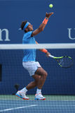 Campeón Rafael Nadal del Grand Slam de España en la acción durante partido de la ronda del US Open 2016 primero Fotografía de archivo libre de regalías