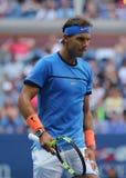 Campeón Rafael Nadal del Grand Slam de España en la acción durante su partido redondo 3 del US Open 2016 Imagen de archivo