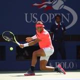 Campeón Rafael Nadal del Grand Slam de España en la acción durante su partido redondo 4 del US Open 2017 Imagen de archivo