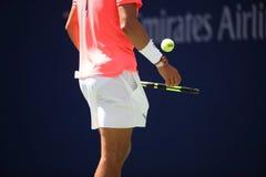 Campeón Rafael Nadal del Grand Slam de España en la acción durante su partido redondo 4 del US Open 2017 Foto de archivo