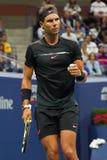 Campeón Rafael Nadal del Grand Slam de España en la acción durante su partido redondo 2 del US Open 2017 Fotos de archivo libres de regalías