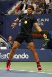 Campeón Rafael Nadal del Grand Slam de España en la acción durante su partido redondo 2 del US Open 2017 Imágenes de archivo libres de regalías