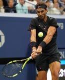 Campeón Rafael Nadal del Grand Slam de España en la acción durante su partido redondo 2 del US Open 2017 Foto de archivo libre de regalías