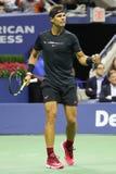Campeón Rafael Nadal del Grand Slam de España en la acción durante su partido 2017 de semifinal del US Open Fotos de archivo libres de regalías