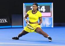 Campeón Serena Williams del Grand Slam de veinte un veces en la acción durante su partido final en Abierto de Australia 2016 Fotos de archivo libres de regalías