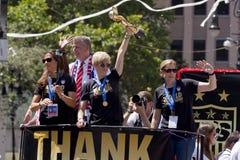 Campeões do campeonato do mundo de FIFA - equipe de futebol nacional das mulheres dos E.U. Fotografia de Stock Royalty Free