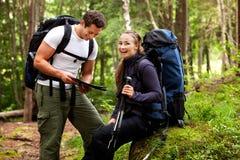 Campeggiatori felici Immagine Stock